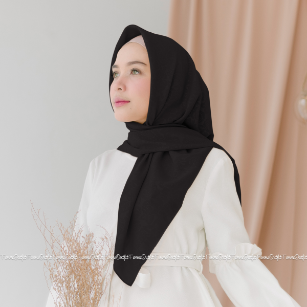 Maryam Shawl Black
