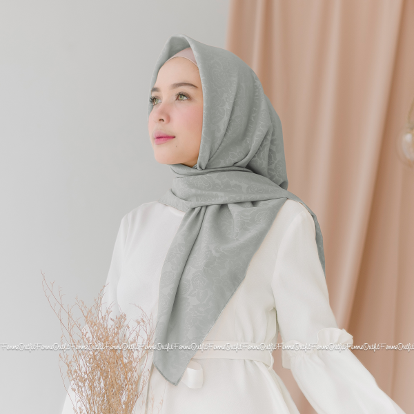 Maryam Shawl Silver Grey