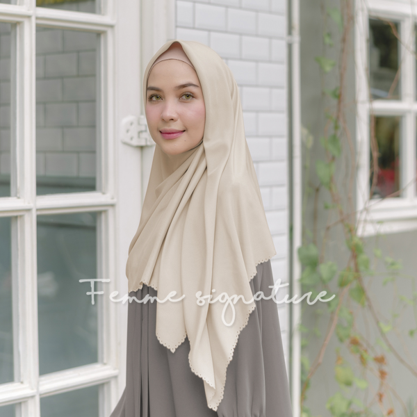 Khadijah Shawl Square Sweet Latte