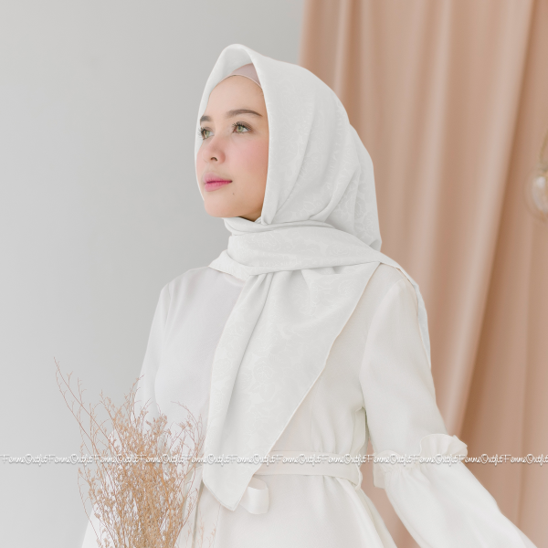 Maryam Shawl Pure White